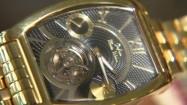 Złoty zegarek na rękę